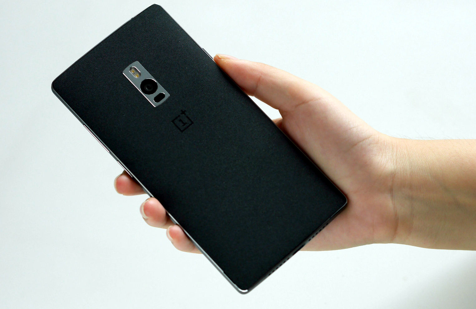 Live images of OnePlus 2 surface, just hours ahead of launch | PhoneBunch